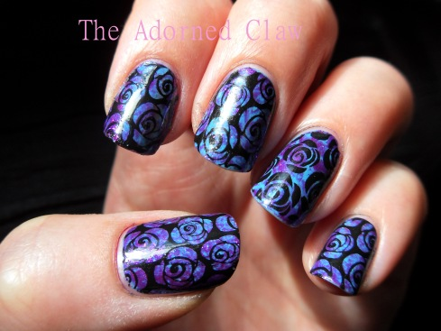 The finished blue and purple rose nails.