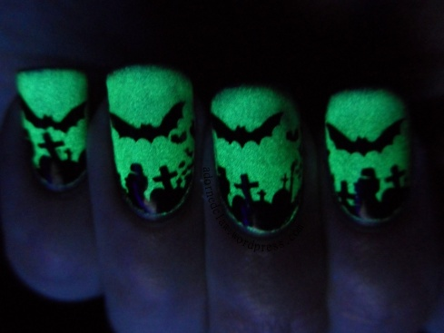 Ghoulish glow halloween nails