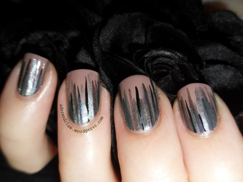 Silver Waterfall Nails