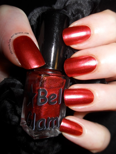 Belle Glamour Bloody Roses