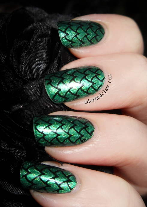 Green Scaley Nails