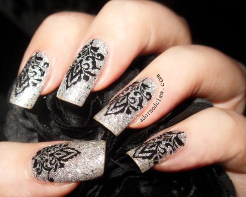 Silver shiny glittery nails!