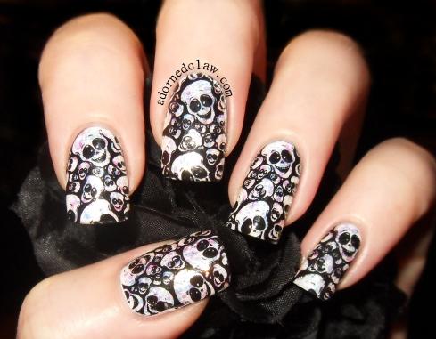 Happy Glitter Skulls