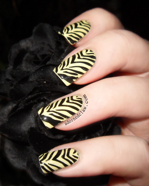 Tiger Stripe Nails