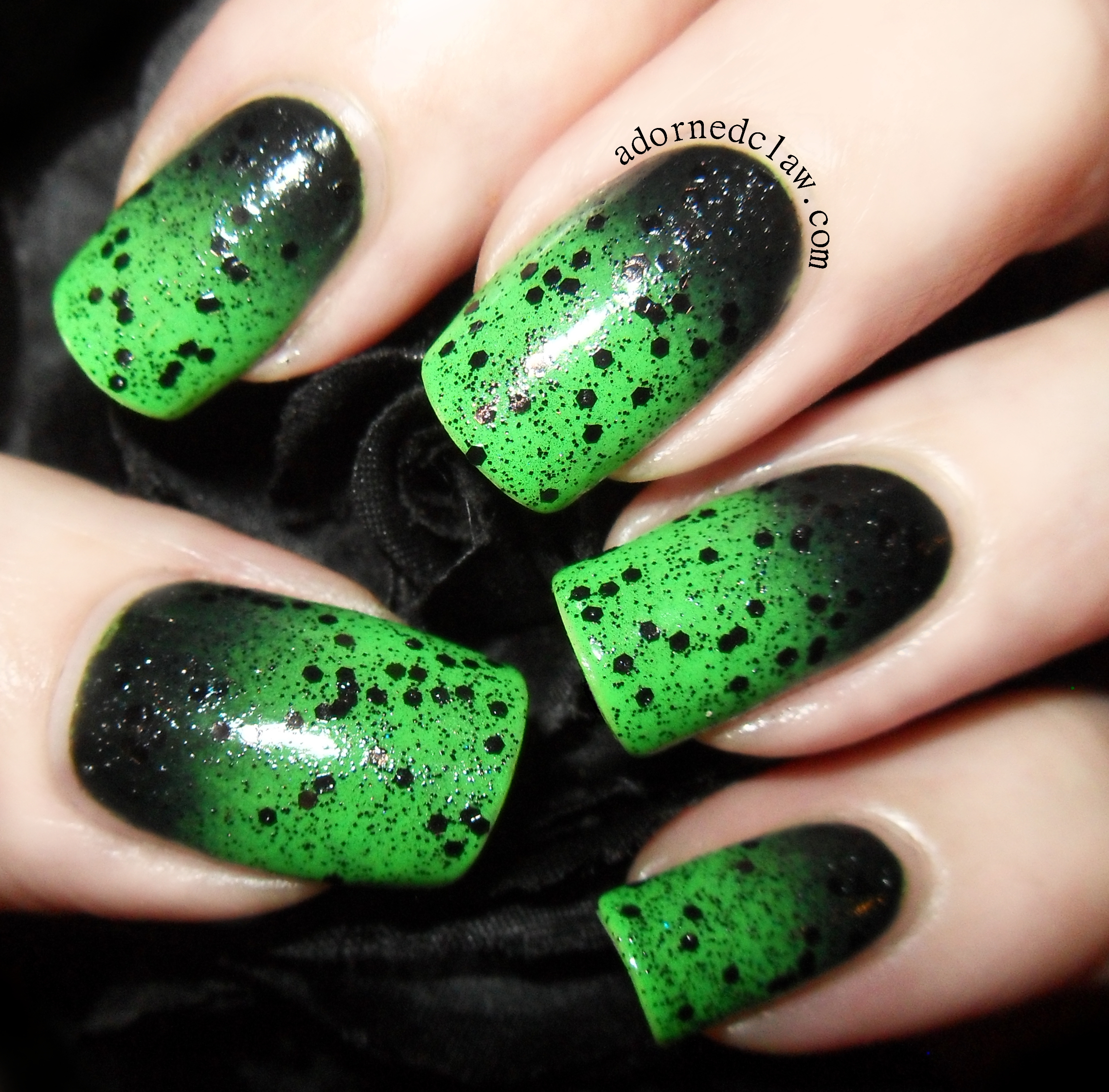 Gruesome Green Gradient | The Adorned Claw