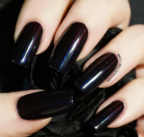Dark Striped Nail Art
